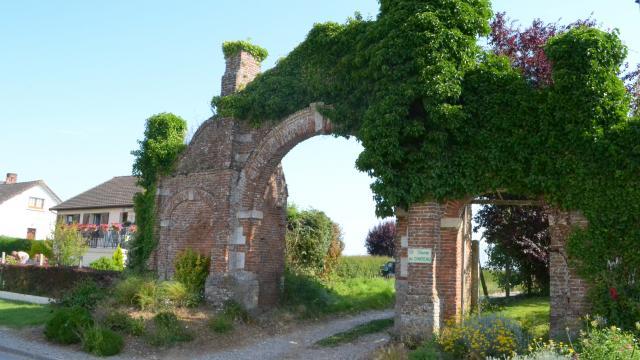 Destination Le Treport Mers Melleville Porte Ancien Manoir