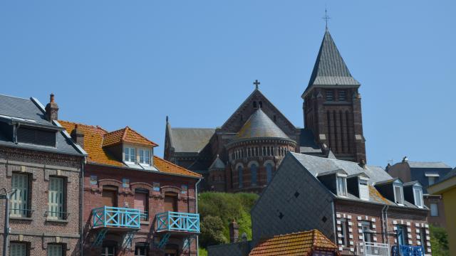 Vue sur l'église de Mers-les-Bains