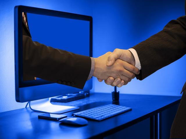 handshake-3962172-1920.jpg