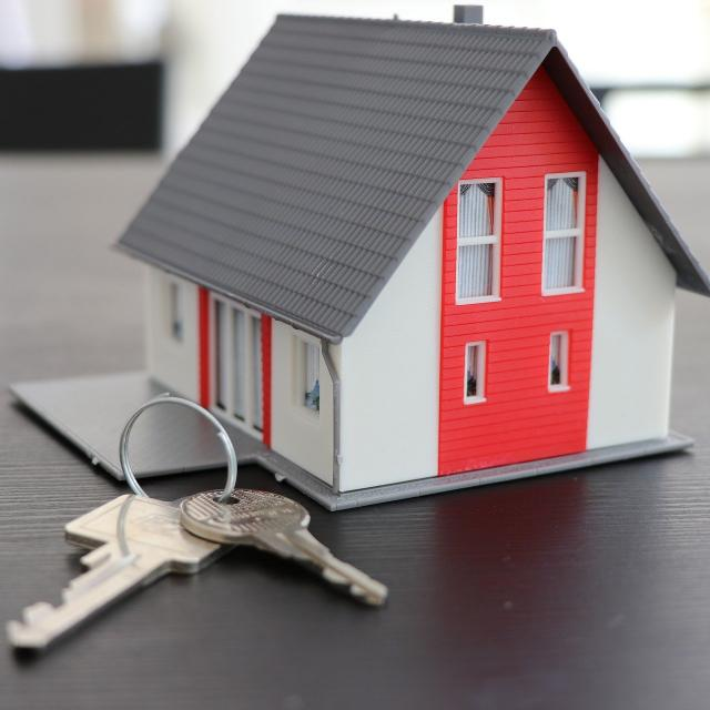 house-4516175-1920.jpg